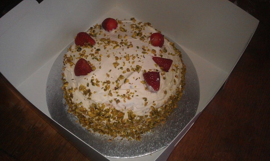 HL's strawberry and pistachio number